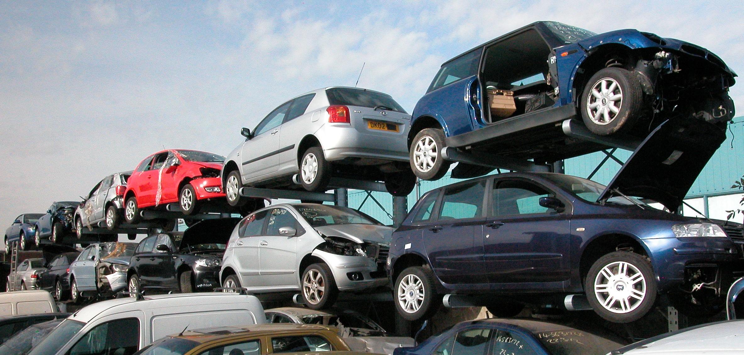 Onhandelbare 1. Draagarmstelling voor opslag van auto's