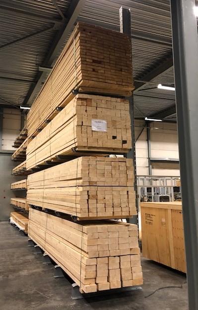 Opslag bouwmatr. 2. Draagarmstellingen voor de opslag van bouwmaterialen