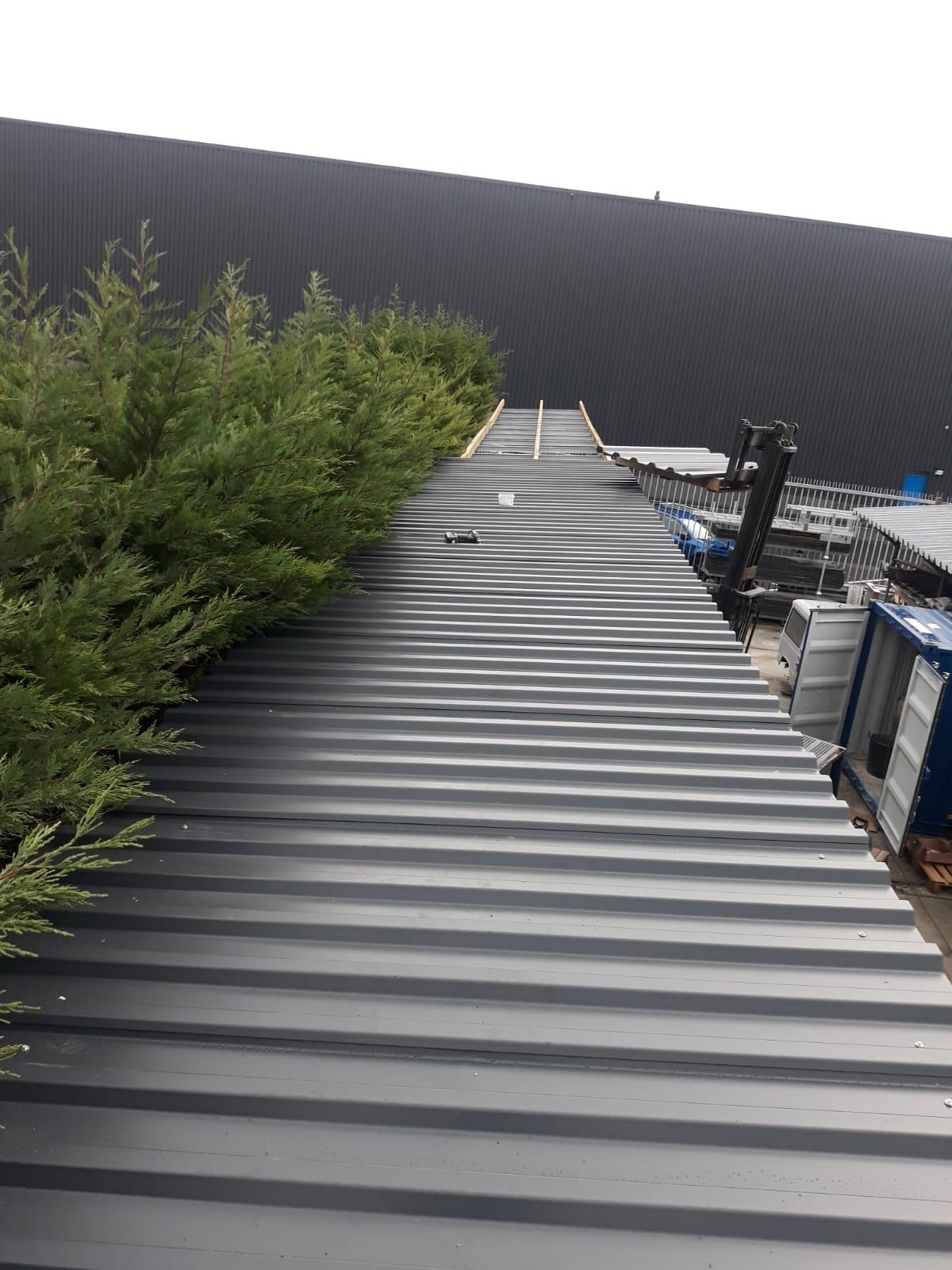 Stelling voor buiten met dak OHRA verzinkt